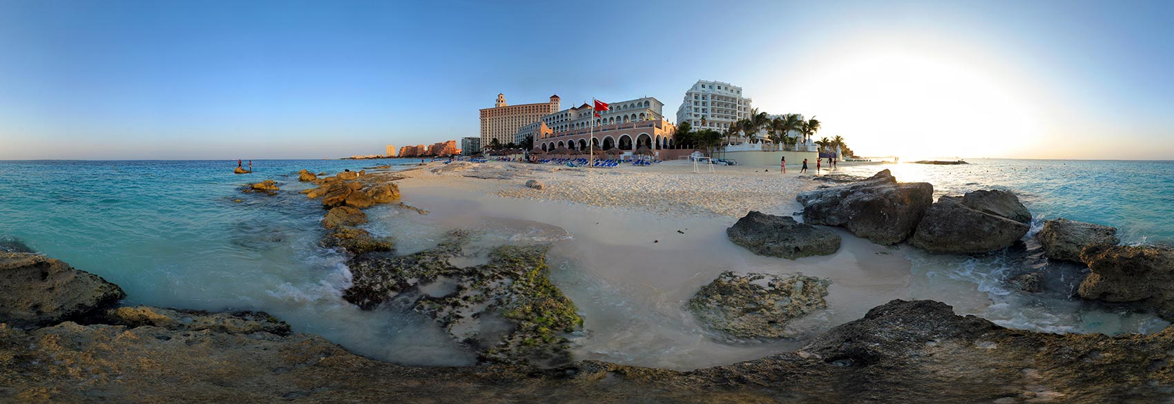 Panoramic Photography of hotels in cancun